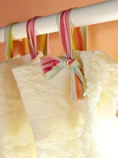 """DIY ~ Ribbon Curtain """"Hooks"""" would be cute with lace curtains Home Hacks, Diy Hacks, Diy Design, Interior Design, Design Ideas, Ribbon Curtain, Curtain Ties, Curtain Hangers, Curtain Holder"""