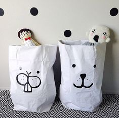 be cute to do for snacks that you make and send to school.   Tellkiddo Brings You The Coolest Storage Bags - Petit & Small