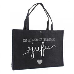Deze tas is van een fantastische juf   vilten tas Teacher Treats, Teacher Gifts, Cameo Cutter, Scan And Cut, Silhouette Cameo Projects, Flocking, Special Gifts, Logo Design, Reusable Tote Bags