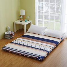2016 New Style High Quality Mattress Thick Warm Single Or Double Student Mattress Children Mattresses Japanese Style Bedroom, Japanese Home Decor, Asian Home Decor, Japanese Homes, Simple Bedroom Design, Home Room Design, Japanese Futon Mattress, Indian Bedroom Decor, Mattress On Floor