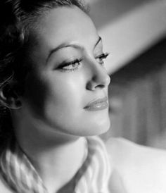 Joan Crawford, 1930s. Photo by George Hurrell.