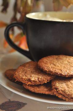 Te is szoktad úgy érezni ebéd után, hogy a kávé/tea mellé jó lenne elrágcsálni egy kis kekszet? Főleg a hideg idő közeledtével, egy forró bögre finom kakaó mellé. Hiába, a szokások hatalma igaz? Na persze nincs mese, ha szeretnéd megtartani az alakod, vagy éppen a fogyás