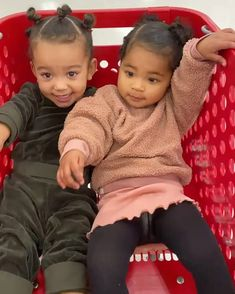 Keeping Up with the Kousins! 50 of the Kardashian-Jenner Crew's Cutest Moments Kim Kardashian, Kardashian Family, Kardashian Kollection, Jenner Kids, Jenner Family, Kendall Jenner, Kim And North, Cute Black Babies, Celebrity Kids