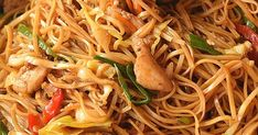The Ultimate Spicy Chicken Lo Mein Recipe Spicy Chicken Lo Mein Recipe, Takeout Restaurant, Vegetable Lo Mein, Best Chinese Food, Chinese Vegetables, Chicken Recipes Video, Asian Recipes, Ethnic Recipes, Cooking Recipes