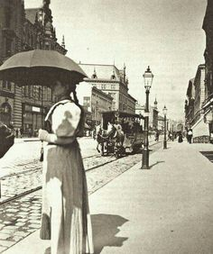 1915 - a Rákóczi út a Blaha Lujza tér felől a Keleti felé nézve; középen, a villamos által kissé takarva a Metropol szálloda Old Pictures, Old Photos, Vintage Photos, Budapest City, Budapest Hungary, Capital Of Hungary, Hungary Travel, Heart Of Europe, History Photos
