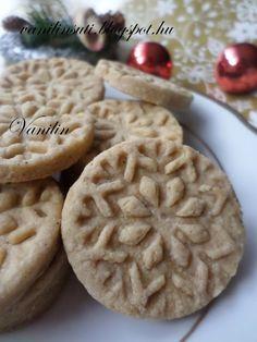Cookies, Food, Almond Cookies, Crack Crackers, Biscuits, Essen, Meals, Cookie Recipes, Yemek