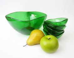 1970s French vintage BOWL Vereco stained glass by LeFrenchBazaar on Etsy #etsy #etsyfr #frenchvintage #french #vintage #etsyvintage #vintagefinds #france #etsyshop #frenchtouch #vintagefr #retro #midcenturymodern #bestvintage #vintagefrance #brocante #fleamarket #etsyfinds #vintagefinds #vereco #greenglass #stainedglass #verecoglass #bowl #glassbowl #green