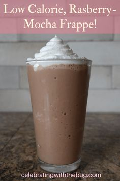 An ice cold Raspberry Mocha Frappe is one of my all time favorite coffee drinks and that is why I created this healthy recipie to get my frappe craving fix! Mocha Drink, Mocha Smoothie, Coffee Coffee, Coffee Break, Morning Coffee, Coffee Shop, Foods For Anxiety, Frozen Coffee Drinks, Mocha Frappe Recipe