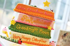 book-baby-shower-cake