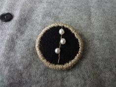 画像1: 縁どり刺繍ブローチ 4