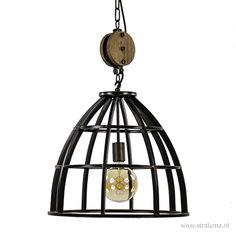 Industriele hanglamp 48cm zwart + katrol Chandelier, Ceiling Lights, Lighting, Pendant, Interior, Inspiration, Home Decor, Halle, Bedroom Ideas