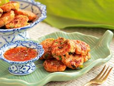 Using a food processor, you'll be able to churn out these prawn cakes in just a few minutes.