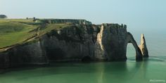 Etretat - Normandie - France   Discovered from Dream Afar New Tab