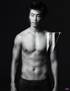 W Korea features Super Junior's Donghae and SNSD's Jessica in their September 2012 issue. Super Junior's Donghae dresses down for a black and white spread Lee Donghae, Leeteuk, Heechul, Siwon, Korean K Pop, Korean Star, Korean Men, Asian Men, Korean Actors