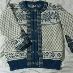 Shop Women's Dale of Norway Blue White size M Cardigans at a discounted price at Poshmark. Description: Very nice condition pre owned 100% pure new wool cardigan. Tagged size 42, medium.. Sold by hobbiebraille. Fast delivery, full service customer support.