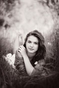 senior poses for girls | Photography - Senior Photo Poses
