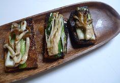 Bread toasts with delicious mushrooms.  1: Cinnamon cap Mushroom  2 :Enoki 3: black Chanterelle