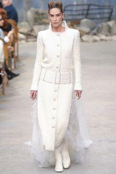 Erin Wasson en robe de mariée Chanel haute couture automne-hiver 2013-2014
