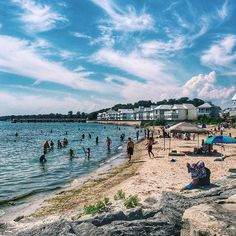 8 Ontario Beach Towns You Must Road Trip To This Summer Places To Travel, Places To See, Ontario Beaches, Ontario Parks, Ontario Travel, Canadian Travel, Road Trip Adventure, Road Trip Destinations, Explore Travel