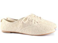 H lace oxford shoes♥ Lace Oxfords, Lace Flats, Lace Sneakers, Pretty Shoes, Cute Shoes, Me Too Shoes, Shoe Boots, Shoe Bag, Fabric Shoes