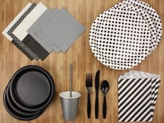 BLACK AND WHITE PARTY KIT