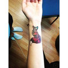 """""""#tattoogirl #tattoo #fox #foxtattoo #popart #wrist #wristtattoo #hand #luky #tetoval #super #instatattoo"""""""