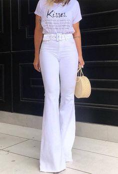 Calça flare lavinia 14167 flared 200 in 2019 flare jeans outfit, hippie chi Flare Jeans Outfit, Trendy Outfits, Summer Outfits, Cute Outfits, Fashion Outfits, White Fashion, Work Fashion, Fashion Looks, White Flare Pants