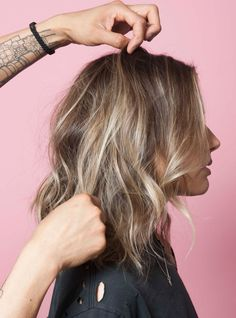 """""""Wave Formation"""" Is The Easiest Hair Trick You'll Learn+#refinery29"""