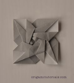 This is another origami tato that I came across. It is designed by Hiroko Yamada. I think it is one of the prettiest and most geometrically pleasing tato designs I've come across. Origami Envelope, Origami Star Box, Origami Rose, Origami Flowers, Origami Ball, Origami Cards, Origami Paper Art, Fabric Origami, Paper Craft
