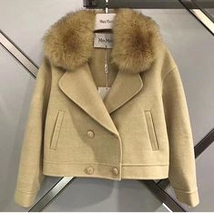Hi Fashion, Winter Fashion, Fashion Outfits, Womens Fashion, Fashion Over Fifty, Cool Outfits, Casual Outfits, Cute Coats, Sweater Coats