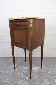 Mahogany Pedestal Wash Stand Vanity Unit - The Hoarde Antiques Online, Selling Antiques, Wash Stand, Vanity Units, Small Furniture, Bedside Tables, House Numbers, Sell Items, Marble Top