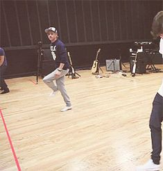 one direction imagines him fighting with you | imagine you are at rehearsel with your friends when all the sudden one ...