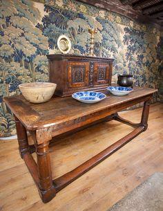 Elizabeth I Oak Table