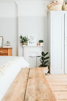 Bedroom Farrow & Ball blackened off white palest grey Farrow Ball, Farrow And Ball Paint, Cosy Bedroom, Bedroom Decor, Bedroom Ideas, White Bedroom, Bedroom Inspo, Bedroom Furniture, Master Bedroom