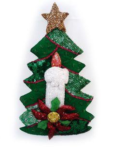Arbolito de navidad en fieltro bordado en lentejuela.