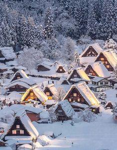 Shirakawa-go, Gifu, Japan #BeautifulPlaces #Japan