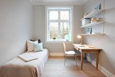 Bolig til salgs Corner Desk, Real Estate, Furniture, Home Decor, Corner Table, Decoration Home, Room Decor, Real Estates, Home Furnishings