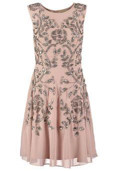 Besondere Abende brauchen besondere Kleider! Frock and Frill Cocktailkleid / festliches Kleid - dusty fawn für 149,95 € (17.11.15) versandkostenfrei bei Zalando bestellen.