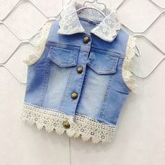 Жилетка для девочки своими руками Girls Summer Outfits, Kids Outfits, Cool Outfits, Ivy Fashion, Denim Crafts, Toddler Girl Style, Baby Gown, Denim And Lace, Kids Wear