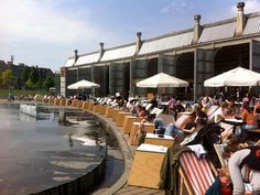 Cargo Zomerbar Antwerp is a nice summer bar in the trendy Park Spoor Noord. Relax and have a bite. Discover this and more hotspots in Antwerp City Guide >>