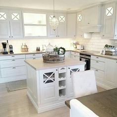 Home desng inspiration kitchen 30 ideas Home Decor Kitchen, Kitchen Interior, New Kitchen, Kitchen Dining, Dining Room, Cottage Kitchens, Home Kitchens, Küchen Design, House Design