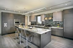 Balanced menu - kitchen with beautiful outlook by New Mood Design