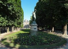 HD photographs of Jardin du Luxembourg free public gardens including its many different tourist attractions located in the Arrondissement of Paris. Palais Du Luxembourg, Luxembourg Gardens, Public Garden, Flower Beds, Sidewalk, Statue, Mansions, House Styles, Gardens