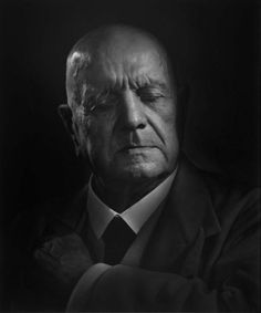 Jean Sibelius - Finnish composer of the late Romantic period. His music played an important role in the formation of the Finnish national identity. Photo by Yousuf Karsh, 1949 Winston Churchill, Famous Photographers, Portrait Photographers, Yousuf Karsh, Romantic Period, Ernest Hemingway, Black And White Portraits, Classical Music, Famous People