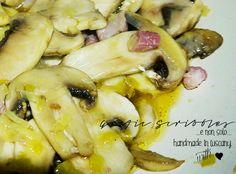 Filetto di maiale con funghetti, pancetta e porro...e gli anormali appetiti di casa mia! http://graficscribbles.blogspot.it/2015/02/filetto-maiale-funghi-porro-pancetta-polenta-secondi-ricette-toscana.html #filetto #maiale #funghi #champignon #pancetta #polenta #porro