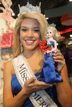 Teresa Scanlon, Miss America holds a Madame Alexander doll bearing her likeness. Teresa Scanlan, a homeschooler from Gering, Nebraska, was named Miss Nebraska subsequently winning Miss America The youngest Miss America in history-crowned at only Miss Nebraska, Miss Univers, Vintage Madame Alexander Dolls, Miss America, Playboy Playmates, Beauty Pageant, Beauty Queens, Homeschooling