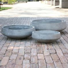 Straight Side Bowl Planter in Gardening PLANTERS Outdoor Planters All-Weather at Terrain (large) Large Outdoor Planters, Large Garden Pots, Large Plant Pots, Outdoor Pots, Outdoor Spaces, Outdoor Living, Concrete Bowl, Concrete Garden, Concrete Planters
