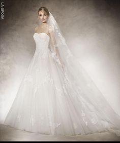 Die 25 Besten Bilder Von Muc Kleider Boyfriends Bride Groom Dress