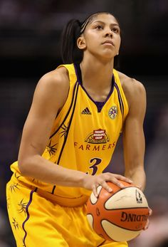 Candace Parker-- is considered by many the best player in the WNBA! Sports Basketball, Basketball Players, Candace Parker, Wnba, Best Player, Athletic Women, Female Athletes, Sports Women, Role Models