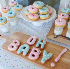 oh baby gender reveal party baby shower Gateau Baby Shower, Deco Baby Shower, Shower Bebe, Baby Shower Parties, Baby Shower Themes, Baby Boy Shower, Planning A Baby Shower, Girl Baby Showers, Baby Shower Sweets